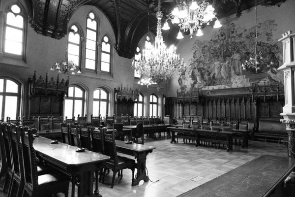 kleiner Sitzungssaal neues Rathaus München ideal für Standesamtliche Trauungen