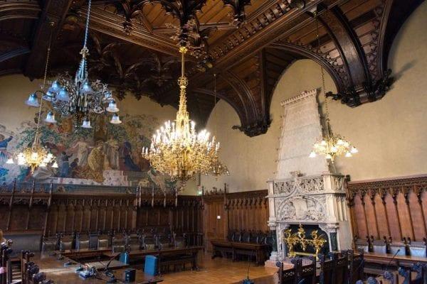 kleiner Sitzungssaal im neuen Rathaus München
