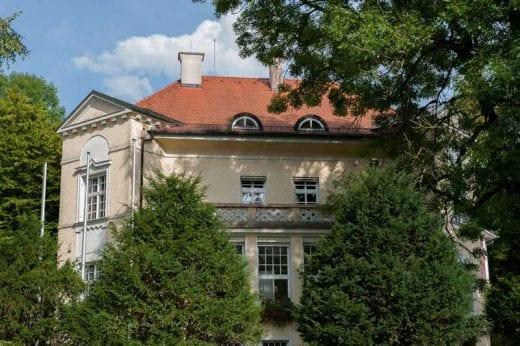 Standeamt in Wessling in einer alten Villa